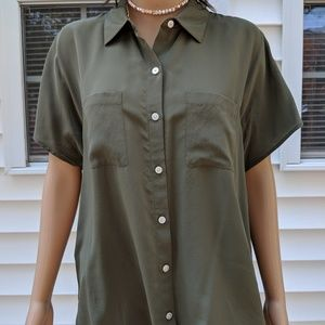 TOMMY BAHAMA LADIES SHORT SLEEVE BUTTON FRONT SILK